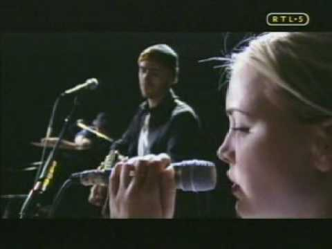 """""""Dance with you"""", Anouk y Live"""