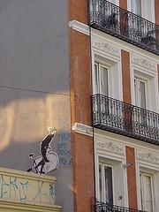 El dibujo de la bici está en la calle San Bernardo de Madrid