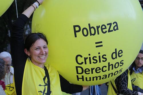 Imágenes de la manifestación contra la pobreza en Madrid