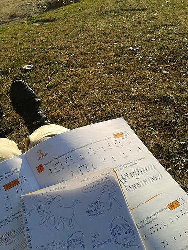 Estudiando y dibupensando en el parque
