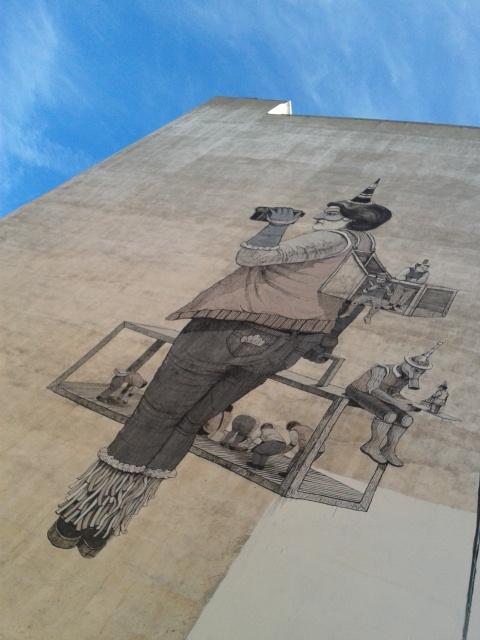 Nuevo graffiti en el barrio