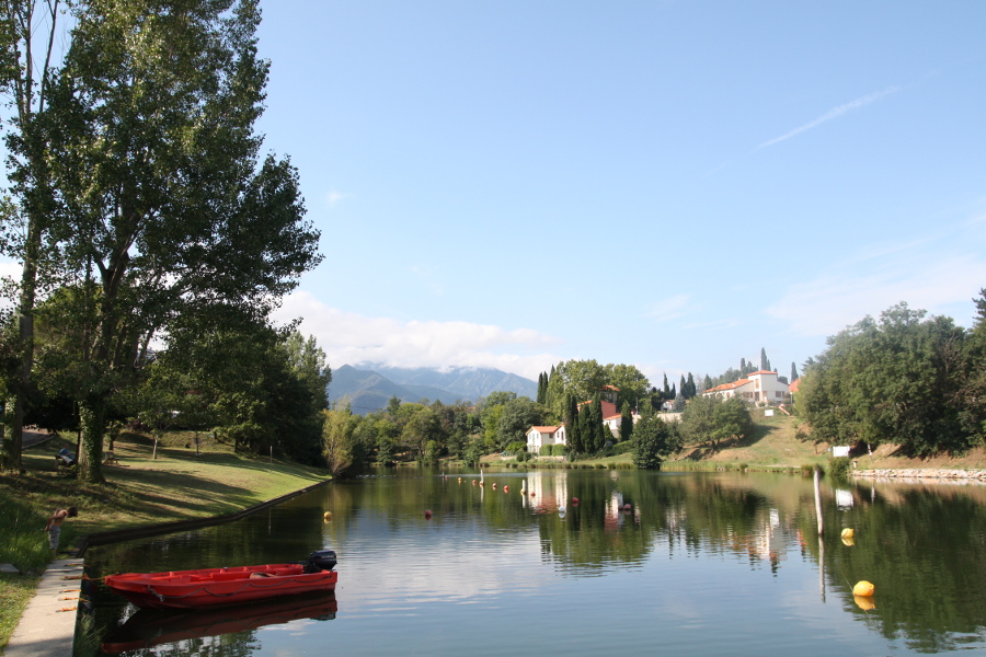 4832 cámping lago