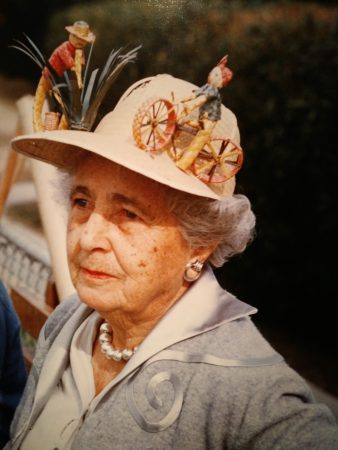 señora con sombrero pintoresco Robert Doisneau