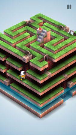 Laberinto tridimensional con varias plantas. En él se ve un pequeño robot perdido.
