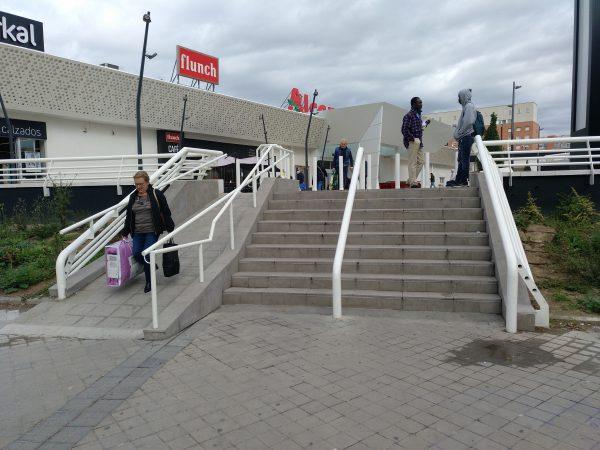 03 escaleras centro comercial