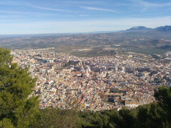 Ciudad desde el castillo. Puede verse bien la catedral y el parque de la concordia