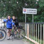 maluz y olga en un cartel de Eslovaquia