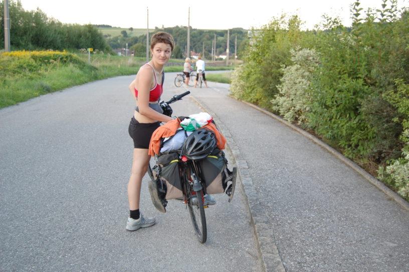 olga en su primer viaje en bici