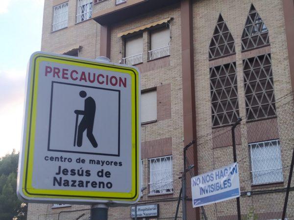 """cartel en residencia de mayores: """"no nos hagan invisbles"""""""