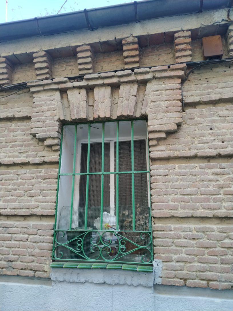 ventana neomudéjar popular